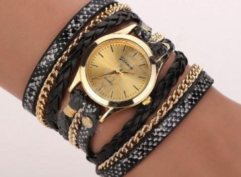 Viacvrstvové hodinky s retiazkou a kamienkom v mnohých farbách 3454a73642b