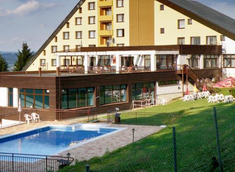5f4e90bc2 Leto s polpenziou a kúpaním uprostred krásnej prírody Bielych Karpát v  hoteli Jelenovská. Morava Pobyty na Slovensku