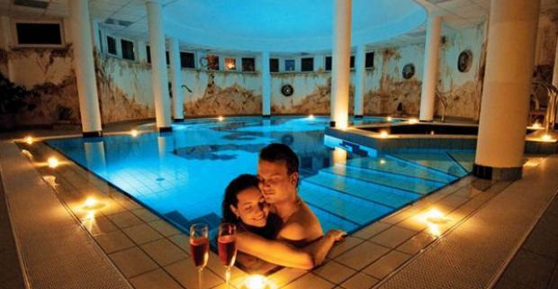 Luxusný wellness pobyt s polpenziou v hoteli Venus*** v unikátnom maďarskom meste Zalakaros, len 100 metrov od miestnych termálnych kúpeľov.
