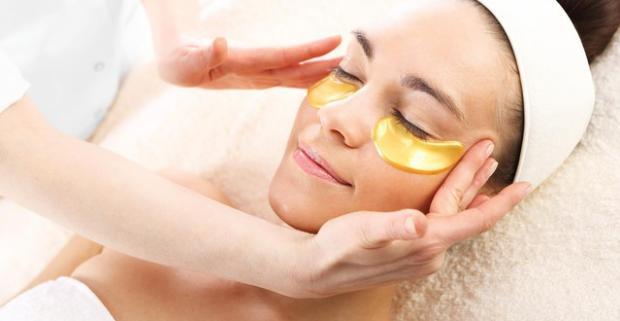 Zregenerujte svoju pleť a navráťte jej pružný vzhľad. Vďaka kolagénovej alebo kaviárovej maske bude vaša pleť zdravšia a krajšia.