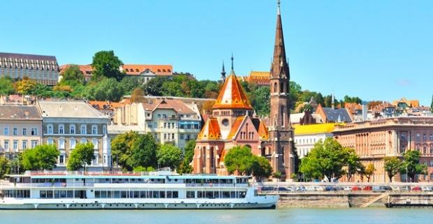 Navštívte Budapešť ‒ perlu Dunaja a spoznajte jedno z najkrajších miest v Európe! Pobyt v 4* Expo Congress Hoteli, s raňajkami a wellness.