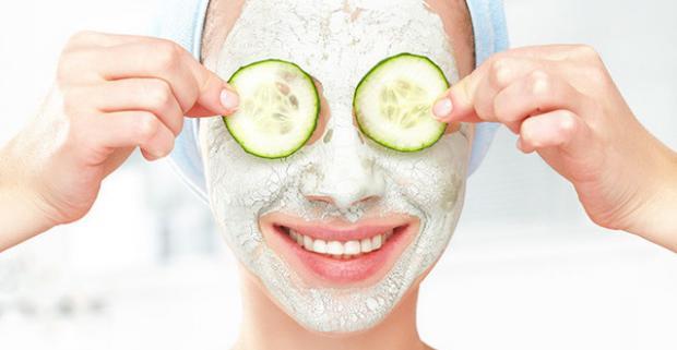 S kolagénovou alebo kaviárovou maskou sa zbavíte nečistôt, mastnej a odumretej pokožky a vaša tvár si zachová mladistvú štruktúru.