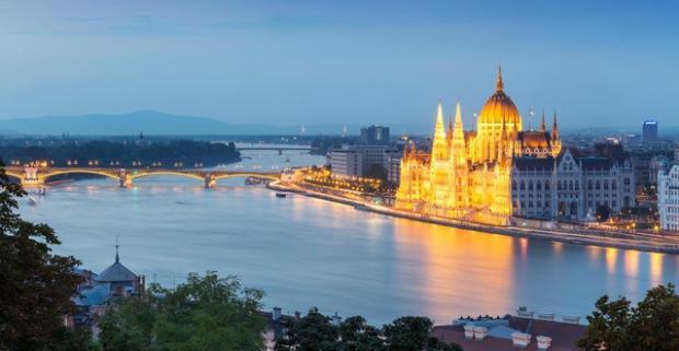 Spravte si výlet do Budapešti ešte túto jeseň či počas blížiacej sa zimy a spoznajte miestnu vianočnú atmosféru s ubytovaním v 3* Star City.