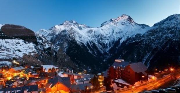 Vydajte sa do lyžiarskeho raja v rakúskych Alpách. V hoteli Zeferer*** na vás čaká nielen český personál ale aj bohaté raňajky a sauna.