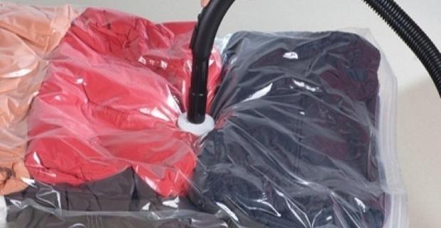 Súprava vákuových vriec. Urobte si definitívny poriadok vo vašej preplnenej skrini! Ideálne na úschovu nadrozmerných textílii.