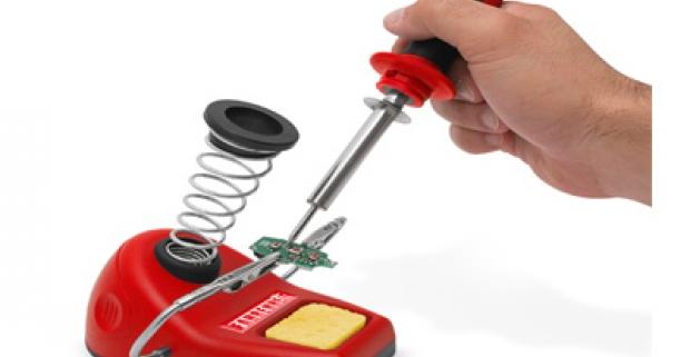 Dvojvýkonová spájkovačka s keramickým vyhrievacím telesom, prepínač výkonu (20W a 40W), s držiakom spájkovačky a pomocným držiakom.