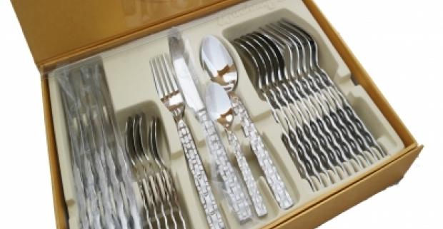 Luxusný 24 kusový set príborov z ušľachtilej ocele pre 6 osôb. Trvácny, antibakteriálny set v elegantnom vyhotovení, vhodný aj ako darček.