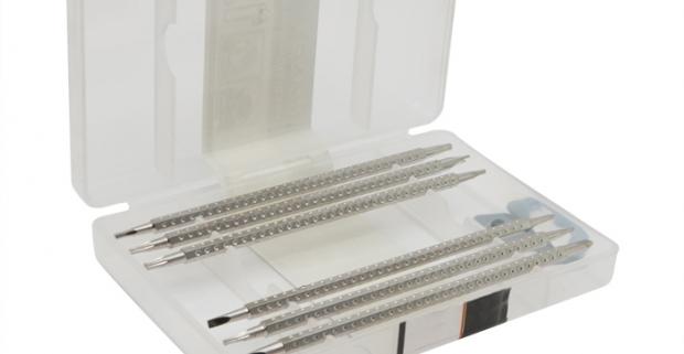 Praktická sada precíznych bitov v uzatvárateľnej krabici. Sada obsahuje 6 ks 120mm nastaviteľných bitov, 1 ks auto-lock pogumovaná rukoväť.