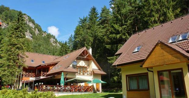 Nezabudnuteľná dovolenka v krásnej prírode Veľkej Fatry. Skvelý 3 až 6-dňový pobyt s polpenziou a saunou pre dvoch v apartmánoch Gader.