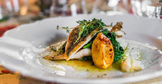 Degustačné 5-chodové menu pre dvoch. V príjemnom prostredí reštaurácie Maximilián vás čaká gastronómia inšpirovaná talianskymi regiónmi.