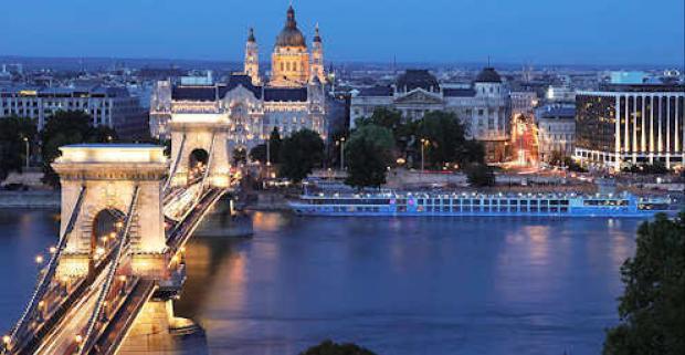 Luxusný pobyt v Budapešti na 4 dni v elegantnom 5* hoteli s neobmedzeným wellness, chutnými raňajkami a panoramatickou plavbou po Dunaji.