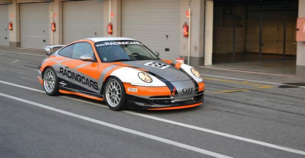 Akčná jazda na Porsche 911 alebo BMW E36 na SLOVAKIA RINGU. Chyťte volant, dupnite na plyn a vychutnajte si skvelú adrenalínovú jazdu.