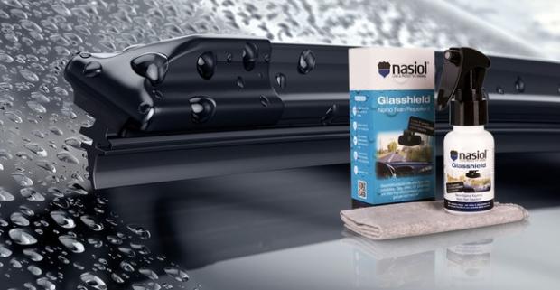 Tekutý stierač Nasiol GlasShield odpudzuje dažďové kvapky až dva roky. Vaša jazda tak bude dlhodobo bezpečná s perfektným výhľadom.
