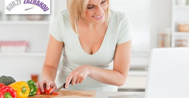 Chcete sa stravovať zdravo, ale neviete ako na to? Vďaka 3-mesačnému jedálničku sa vám pravidelne pošle až 180 chutných receptov na mieru.