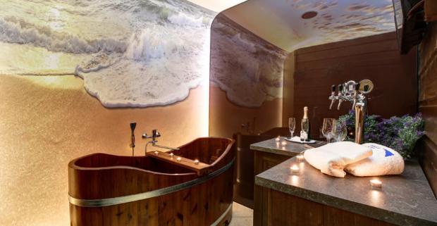Neobmedzený wellness s pivným kúpeľom alebo kúpeľom z morských rias v penzióne Predná hora v nádhernom prostredí Muránskej planiny.