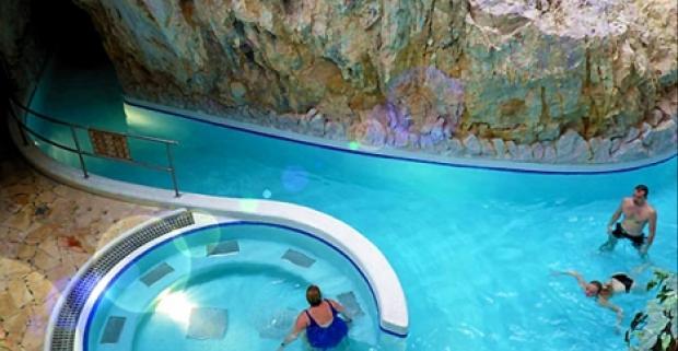 Dovolenka plná oddychu v obľúbenom maďarskom meste Miskolc Tapolca. Pobyt v 3* hoteli Fortuna so vstupom do jaskynných kúpeľov a wellness.