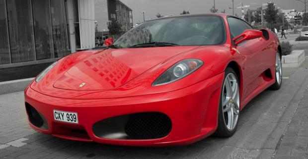 Jazda v nadupaných superšportoch Lamborghini, Ferrari, Maserati alebo Porsche. Zošliapnite pedál jedného z najluxusnejších superšportov.