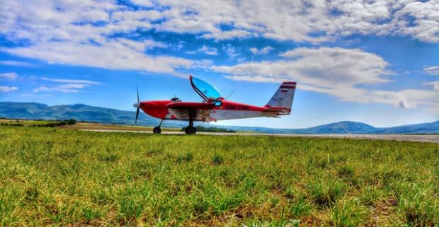 Hurá do oblakov - staňte sa pilotom na skúšku. Nasadnite nie do rakety, ale do lietadla Cessna 150 alebo Viper SD4 a plávajte vzduchom.