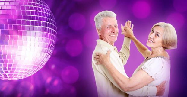 Tanečný kurz určený pre všetkých vitálnych seniorov, v ktorých sa skrýva mladícky duch v Tanečnej škole TOP CENTRUM.