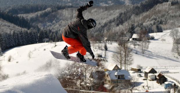 Zahájte zimu perfektnou lyžovačkou v Hriňovej. Lyžiarsky pobyt pre celú rodinu s raňajkami v hoteli Biele Vody.