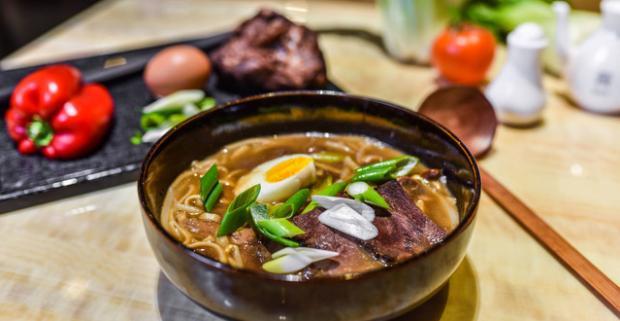 Dobrou ázijskou kuchyňou sa snáď nikto nepreje. Trojchodová večera najlepších ázijských chutí pre 2 v reštaurácii Dynasty Asian Restaurant.