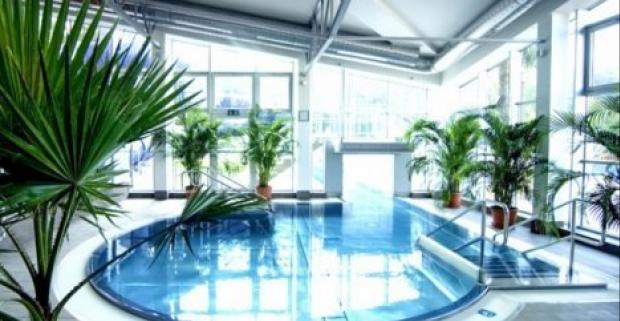 Skvelá rodinná dovolenka v kúpeľoch Turčianske Teplice. Pobyt v hoteli Rezident s procedúrami, vstupom do aquaparku a dieťa do 15r. zdarma.