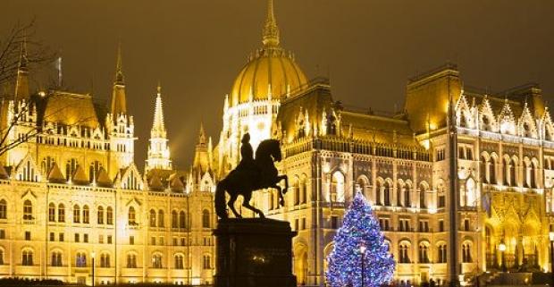 7cd0e7ea2 Žiarivá adventná nedeľa v Budapešti. 1-dňový zájazd s odjazdom zo Slovenska!