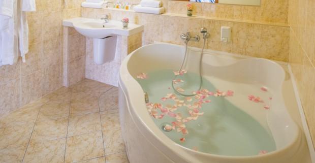 e7e66b550 Praha luxusne v TOP HOTELI Praha **** + polpenzia, neobmedzené wellness a  zľava. Top Hotel Praha****