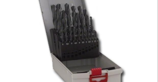 Veľká sada vrtákov 25 ks, jednotlivé veľkosti sú uložené v efektnej kovovej krabici. Praktická pomôcka do každej dielne.