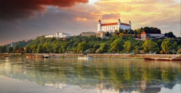 Luxusné ubytovanie pre dvoch len kúsok od centra Bratislavy. Užite si slovenskú metropolu spolu s vaším partnerom.