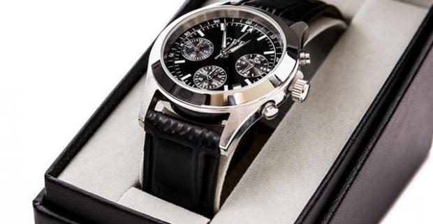 Elegantné a štýlové pánske hodinky model GFF Chronograph. Rýchlosť plynutia času sa nedá zmeniť. Elegancia, s akou ho trávime, áno.
