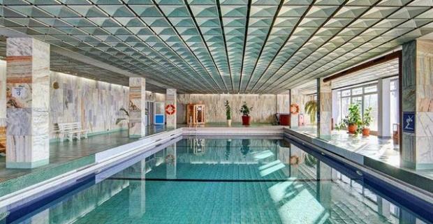 Vydajte sa za oddychom do najznámejšieho poľského kúpeľného mesta Krynica-Zdrój. Pobyt s polpenziou a neobmedzeným bazénom v Panorame.