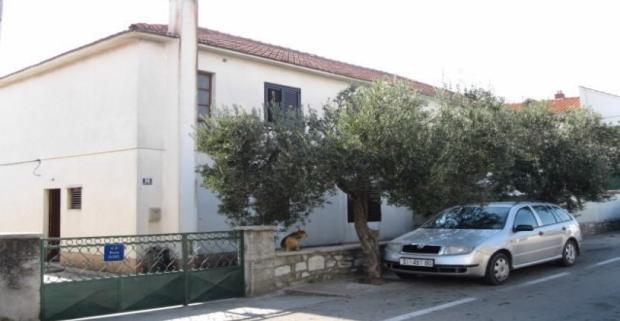 Dovolenkovanie na chorvátskej riviére Šibenik si zamilujete! Komfortné ubytovanie vám poskytne Izba Melkior v letovisku Vodice.