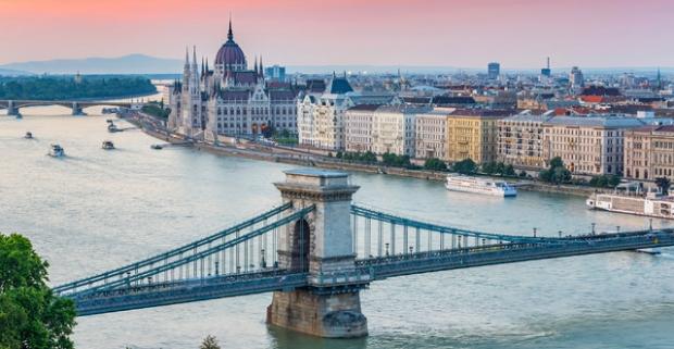 Výhodný pobyt na 2-3 noci priamo v centre Budapešti. Štýlové izby, exkluzívny wellness, lahodné pochúťky či panoramatická terasa hotela.