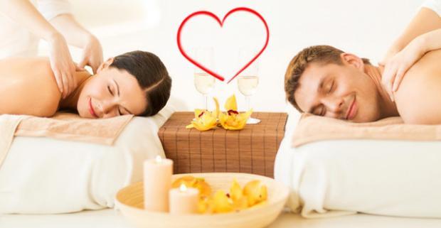 Romantická masáž pre dvoch alebo aromaterapeutická či medová masáž. Zabudnite na stres a starosti a doprajte vášmu telu jedinečný relax.