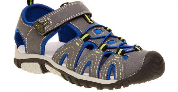 b55fe87c27f5 Turistické sandále pre deti majú pohodlnú podošvu