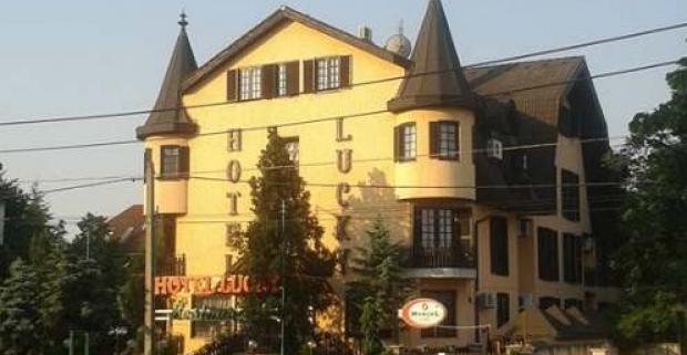 Budapešť vám ponúka nie len skvostné pamiatky, ale aj liečivé kúpanie. Rodinný pobyt s raňajkami v 3* hoteli Lucky v metropole Maďarska.